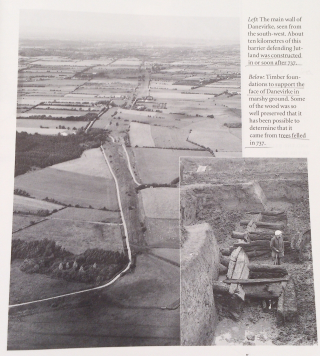 Vista aérea actual zona Dabevirke. Abajo derecha, excavación de los cimientos de mandera.