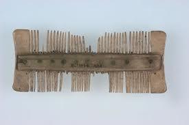 Peine Compuesto Era Vikinga. Se pueden observar las púas más gruesas y las más finas.