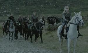 Lagertha regresa junto con Björn y un ejército para ayudar a Ragnar.