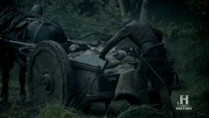Intercambio de rehenes; Egberto paga a los vikingos un tributo y, además, devuelve a Rollo.