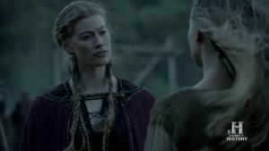 Aslaug liberando a Thorrun de ser una esclava.