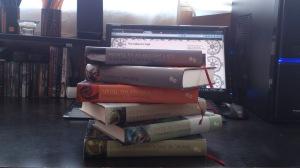 Y aquí una foto mía, con todos los libros publicados hasta la fecha :)
