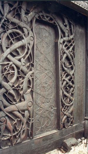 Portal de madera de la iglesia de Urnes Noruega - Estilo Urnes