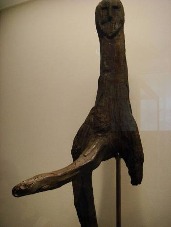 Ídolo en madera del dios Freyr.