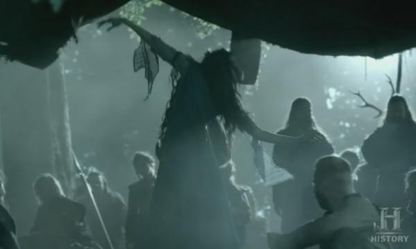 Kwenthrith poseída por el espíritu de las setas.