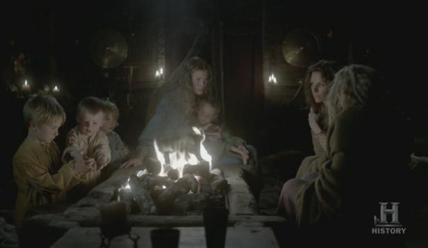 Aslaug, Helga y Siggy tras tener otro sueño.