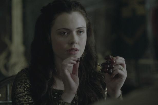 Judith, muy atenta a las explicaciones de Athelstan.