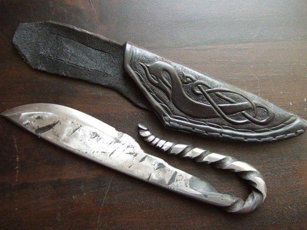 Réplica de cuchillo vikingo (http://notatpapir.deviantart.com/art/viking-knife-2-183886966)