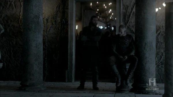 Floki y Rollo en los baños romanos.