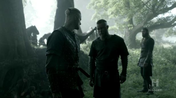 Ragnar echándole la bronca a Björn.