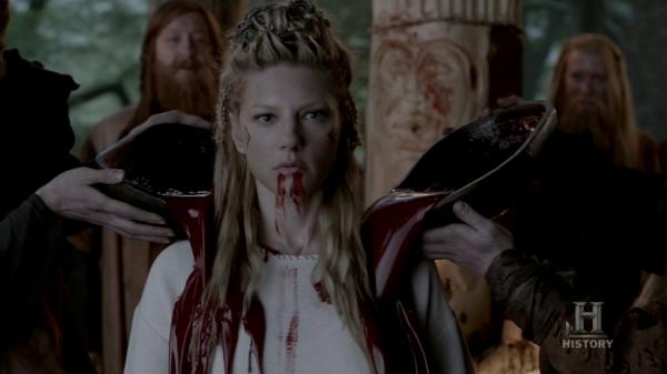 Lagertha empapándose en sangre.