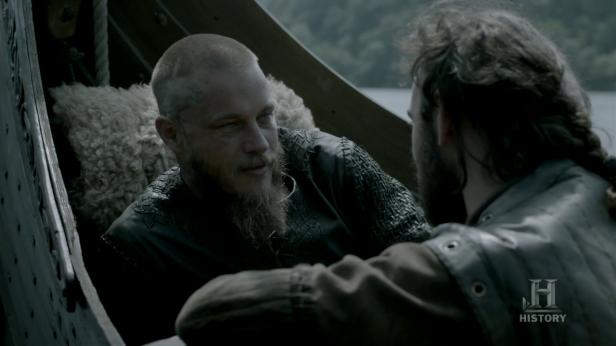 Ragnar y Athelstan hablando de París.